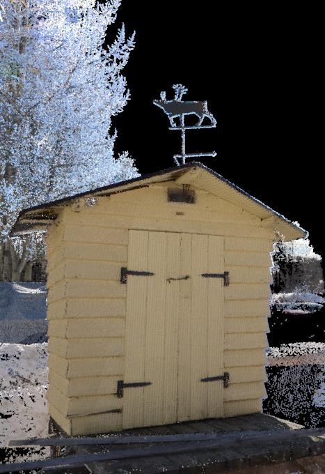 RIEGL VZ-400 -skannerilla skannattu ja Nikon D800 - kameralla kuvattu maitolaituri Rovaniemellä.